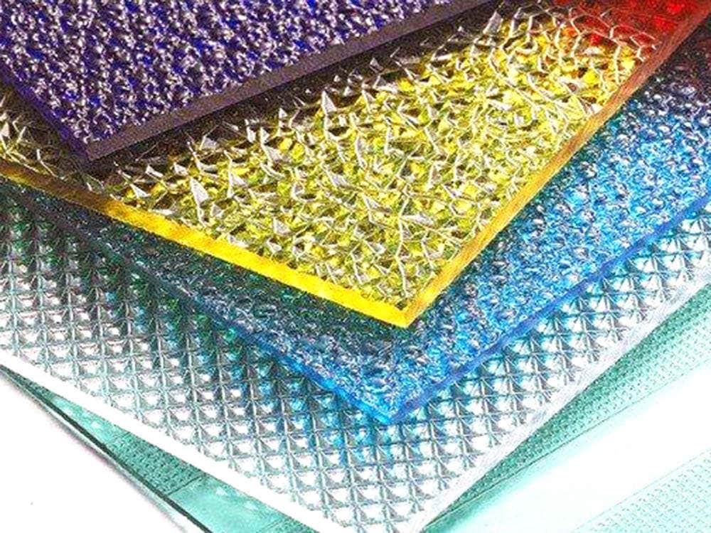 Prismatic polycarbonate sheet