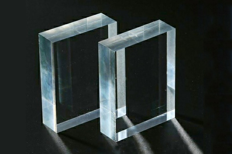 pexiglass window
