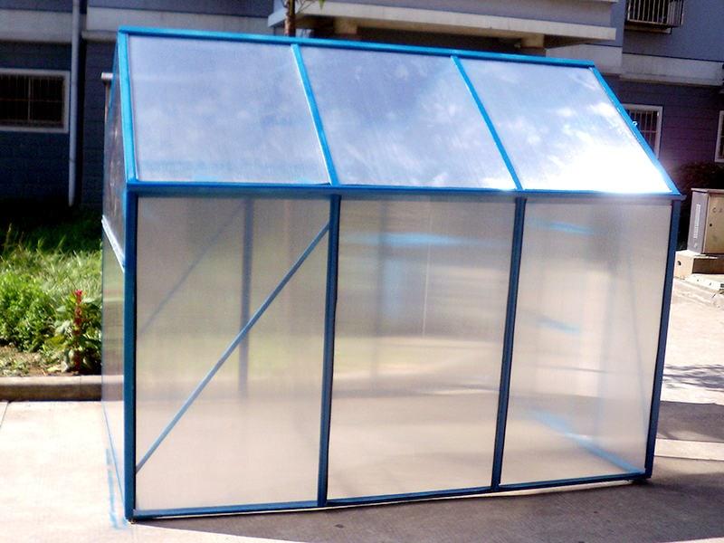 6mm Twin wall polycarbonate Mini Greenhouse